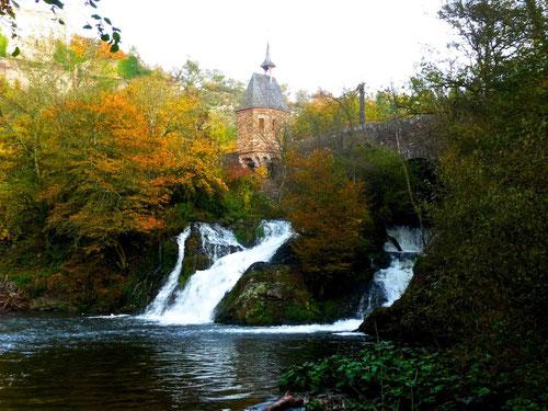 keine 50 Meter von der Mühle entfernt! Der Eltzer Wasserfall!