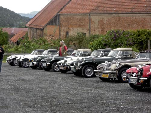 Hier mal ohne Benz: Die Panther im Rudel vor dem Klausenhof!