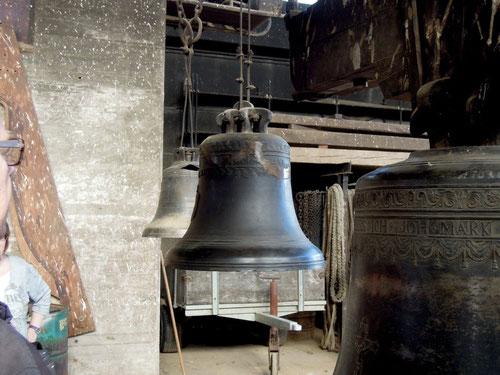 An diesen Glocken wurde uns gezeigt, wie auch defekte Glocken noch klingen!