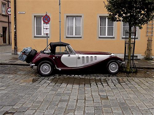 """Klasse Parkplatz in Rotenburg bekommen! Bis auf die """"knöcheltiefe""""Pfütze vor meinen Lima! Ist übrigens ein Rechtslenker!!!!!!"""