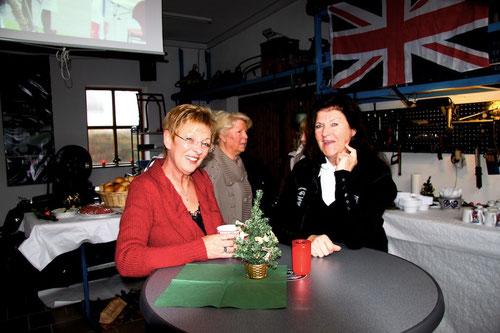 Ulrike & Ilona am Stammtisch!