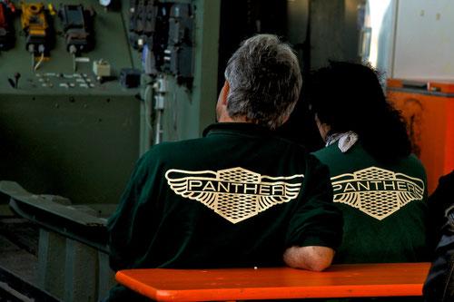 Kleiner Flirt während des Unterrichts: Steffi & Arno!Welches Auto könnten Sie wohl fahren?