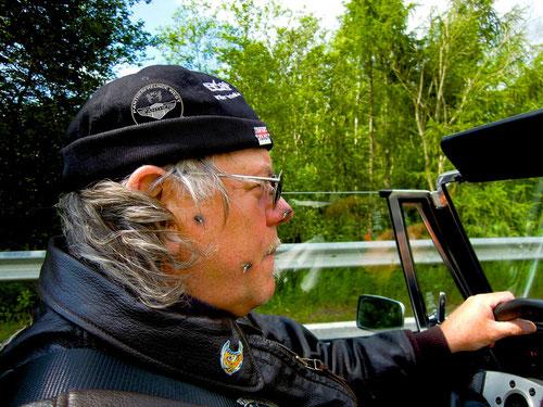 warum Racer Günther beim Pantherfahren immer den Mund geschlossen hat?Doppelclick aufs Bild...und Ihr wisst es!!