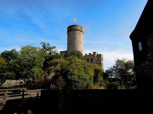 B & M hatten natürlich einen Parkplatz auf der Burg organisiert!