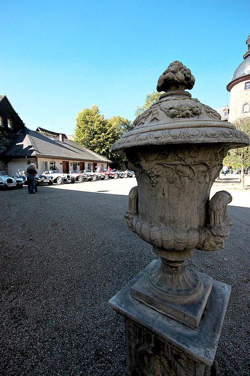 Linke Seite im Schlossinnenhof!