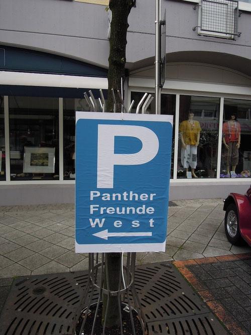 """Unsere reservierten Parkplätze vor den Restaurant """" Nepheli"""" hatte z.Teil das Volk bzw. die Volkswagengruppe erstürmt!"""
