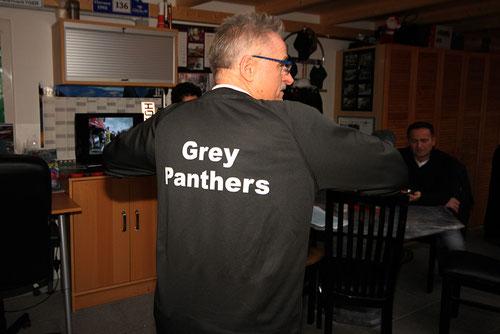 Grauer Panther....von wegen......dynamisch bis an die Gürtellinie!..Immer gut drauf.....die Offenbacher!