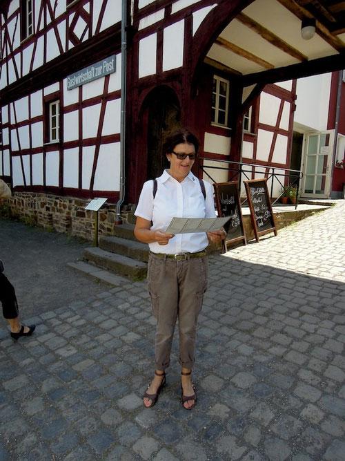 Ilona: Günter ist bestimmt wieder Autos gucken!!!