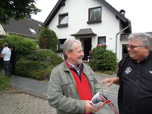 Markus : so gross und nur 3,20 Euro.....glaub mir Manfred!