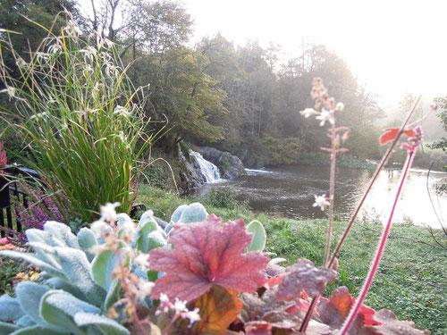 Samstag ca. 8:00 Uhr morgens.............der Wasserfall sprudelt noch immer!
