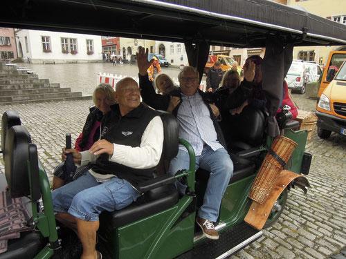 Der Quattroporte hatte sogar ein Dach!  Der Fahrer zeigte uns die ganze Stadt!