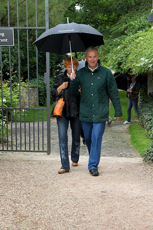 Marion & Gunter sehen selbst in Regen noch super aus!