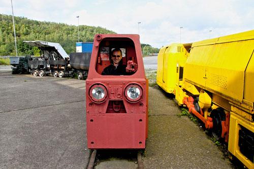 Hajo der Lokomotivführer auf dem Weg nach Lummerland!