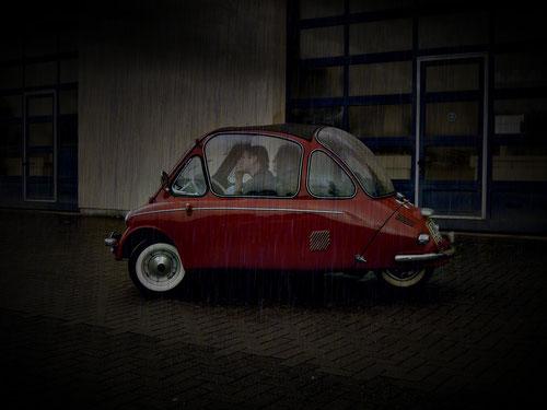 Heinkel mit Panoramaglas....... siehst Du die Wetterfront??!!!! Mein Gott!