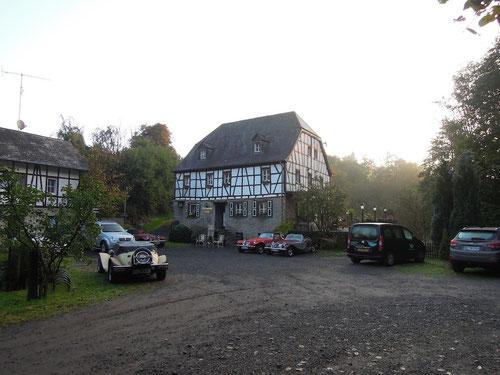 Ca. 8:15 Uhr : Die Sonne geht langsam im Tal der Mühle auf!