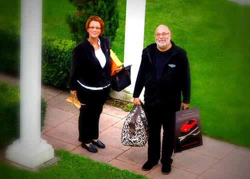Conny unser Pfalzexpertin & Routenplanerin  mit Kochbuchautor, Hobbykoch  & Pantherfahrer Kurt !!