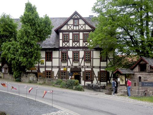 Kurz vor Burg Hanstein: Der Klausenhof