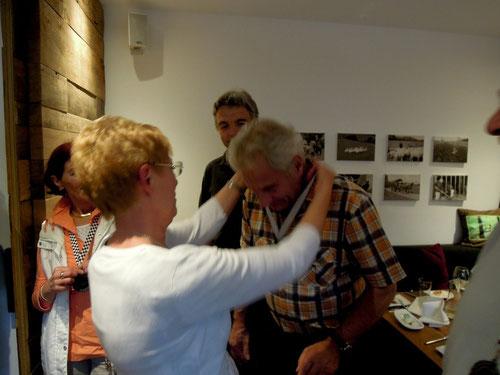 """Von Ulrike für Bernd den""""Ehrenorden""""  Seit 29 Jahren Erstbesitzer und Driver eines Panthers!"""