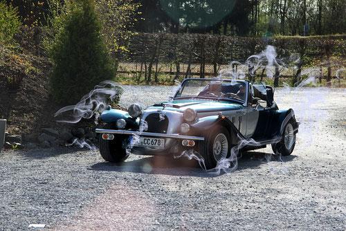 Günter G.,bekannt für seinen Fahrstil, betritt das Parkgelände! Heisser Auftritt zu Saisonbeginn!