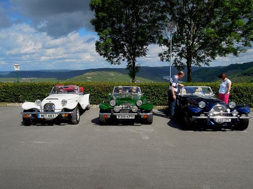 Auch auf der Insel gibt es tolle Autos & nette Pantherdriver!!