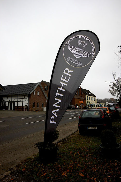 Natürlich war auch unsere Pantherfreunde West  IG Fahne montiert