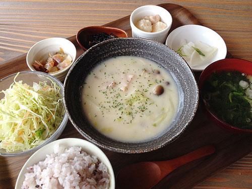 白菜とキノコのクリームシチュー
