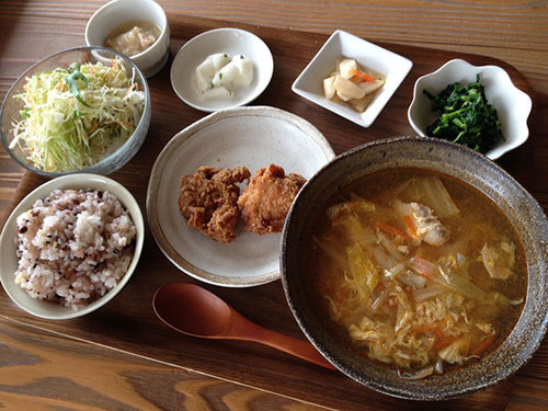 べじランチ「野菜たっぷりキムチチゲ&鷄の唐揚げ」