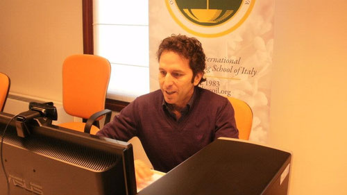 Marcello Scoccia, der Instruktor. Hier Fernausbildung über Web.