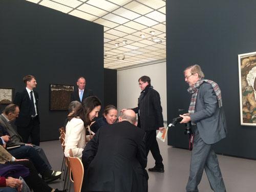 """Jenny Saville auf der Pressekonferenz im Kunsthaus Zürich zur Ausstellung """"Egon Schiele - Jenny Saville"""" 2014"""