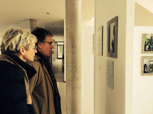 Prominente Besucher der Foto-Ausstellung im neuen Rathaus in Emmendingen, J.v.Troschke, 2014