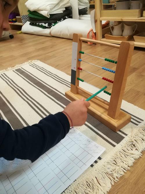 Boulier Montessori, soutien scolaire / Association À la Volette-Montessori