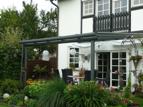 terrassen berdachung terrassendach aus aluminium carport. Black Bedroom Furniture Sets. Home Design Ideas