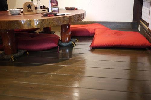柳杉は柔らかな材質なので、長く座っても負担があまりかかりません。