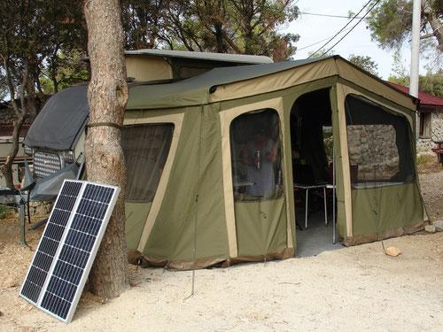 Warten auf den Defender, im Camp Simuni, Insel Pag