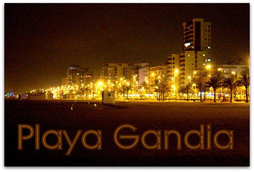 Blick auf die Promenade von Playa de Gandia bei Nacht, (8/2014), Foto: H-D Schmidt, Berlin
