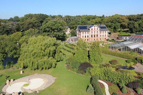 Luftbild vom Hotel Tiefwarensee in Waren Müritz Japanischer Garten