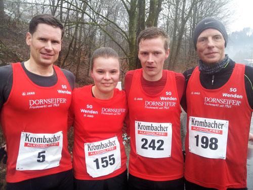 v.l.: Tobias Lautwein (Platz 3), Judith Hacker, Marco Giese (jeweils Platz 1), Jörg Heiner (Platz 2)
