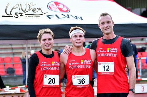 v.l.: Fabian Jenne (3.), Jonas Hoffmann (1.) Christian Biele (2.) Foto: F. Steinseifer