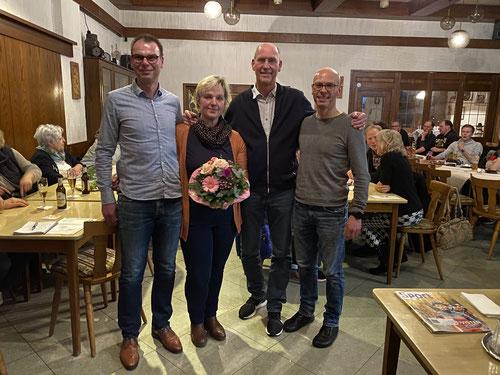v.l.: Holger Keller (1. Vorsitzender), Martina und Kunibert Rademacher, Henning Grüne (neuer 2. Vorsitzender)