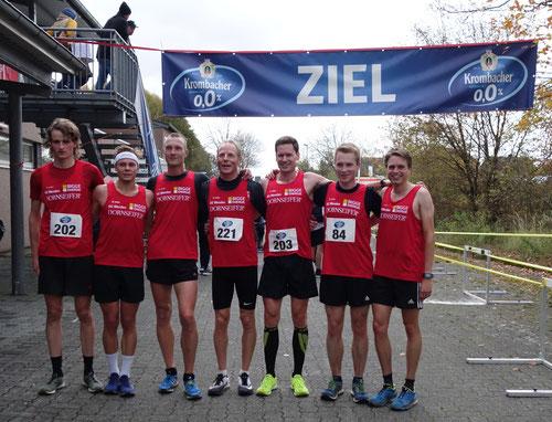 v.r.: Nils Schäfer, Jonas Hoffmann (Platz 1), Christian Biele (Platz 2), Jörg Heiner, Tobias Lautwein, Felix Lange, Fabian Jenne (Platz 3)