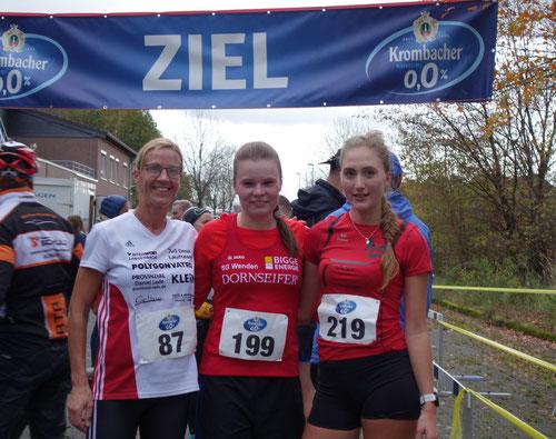 v.r.: Petra Henkel, Judith Hacker, Vanessa Günther