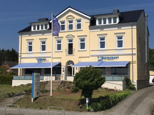 Hotel Kieler Förde in Friedrichsort direkt an der Kieler Förde mit ihren freundlichen Gastgebern Herr und Frau Kempcke.
