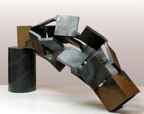 Metamorphosis (変容)   Level - Vertical  <No.M - 27> /  2009  /  H.30 x 45 x 20cm  / 軟鋼