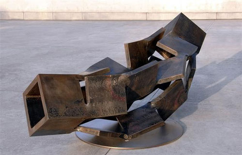 Metamorphosis (変容)    inside - outside  <No.M - 28>/ 2009 / H.80 x 160 x 70cm  / steel