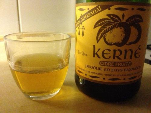 Bei einem Becher Cidre alles genau anschauen*