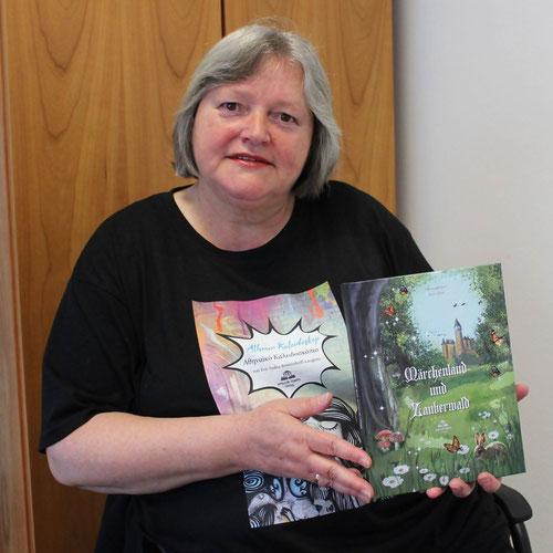 """Artikel in der HALLO  """"Truderinger Autorin über die Sorgen von Freischaffenden"""""""