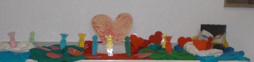 Unser Aller•heiligen•altar: lauter Herz-Menschen