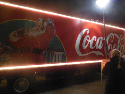 Aber was hat der Weihnachtsmann mit Coca Cola zu tun?