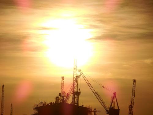 Sonne über dem Hamburger Hafen