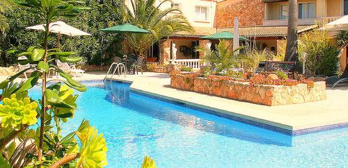 Ferienwohnungen Mallorca, Ferienhaus CASA MONICA, Pool und Garten